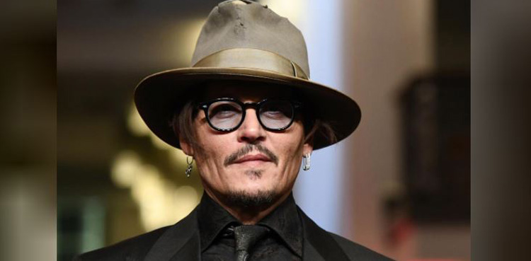 Did Johnny Depp Date Angelina Jolie or Keira Knightley?